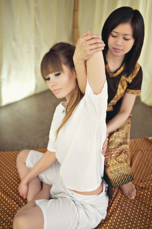 filmy azjatyckie masaż salon kogut za duży dla jej cipki