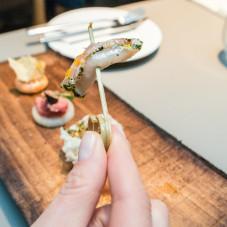 Amuse Bouche - miecznik, awokado, pomarańcza