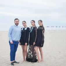 Tomasz Olejniczak z modelkami