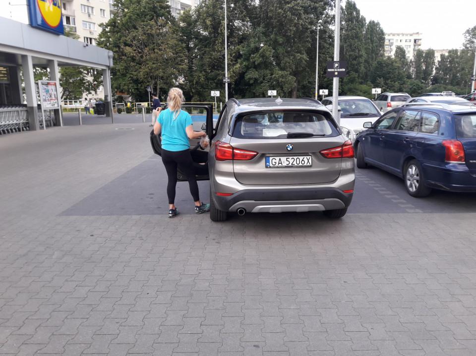Blondi Ma Wózek