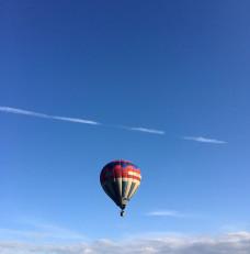 Lot balonem na festynie