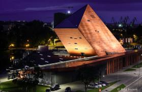 Muzeum II Wojny Światowej nocą
