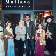 Garnizon gdański oraz właściciele restauracji Motlava - Rafał i Maria Lipińscy