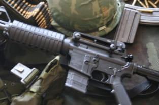 Broń w dłoń. Moda na strzelanie