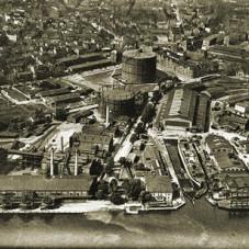 Gazownia i fragment stoczni od strony Motławy