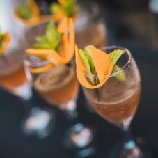 CZYSTOŚĆ  rum Havana 3 Anos infuzowany winogronem / szampan G.H. Mumm / likier bergamotkowy Italicus / woda różana / mięta