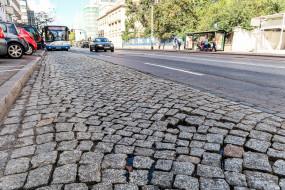 Bruk na ulicy 10 Lutego w Gdyni