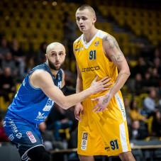 Dariusz Wyka