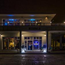 Restauracja Modern od zewnątrz.