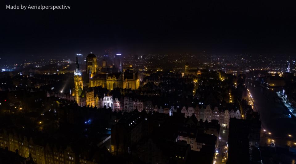 Gdansk nocą