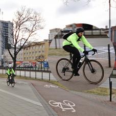 Kto pedalistów nauczy przestrzegania przepisów?