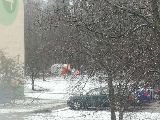 Auto wpadło do rowu w Kokoszkach