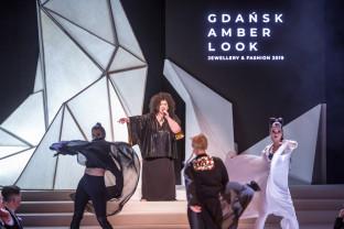 Gala Amber Look w Teatrze Szekspirowskim
