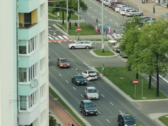 Stłuczka na skrzyżowaniu Derdowskiego z Grunwaldzką.