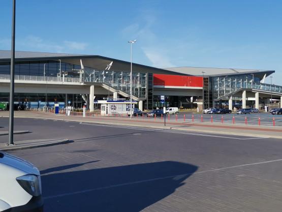 Trwa ewakuacja lotniska w Gdańsku