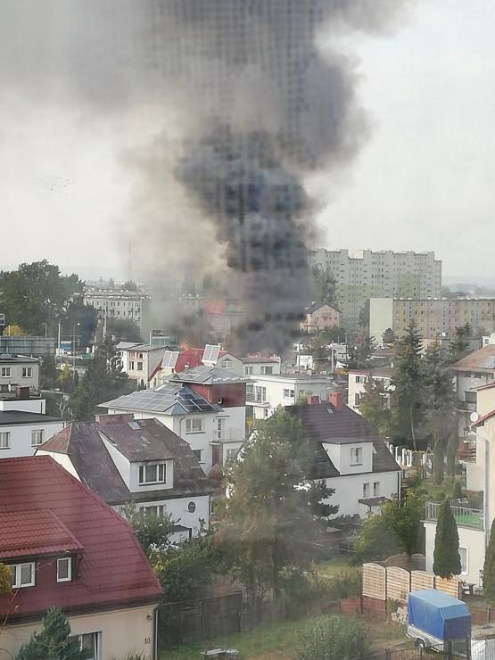 Pali się dom w Chyloni