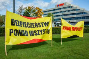 Protestują pracownicy Lotosu. Chcą zwiększenia zatrudnienia i podwyżek