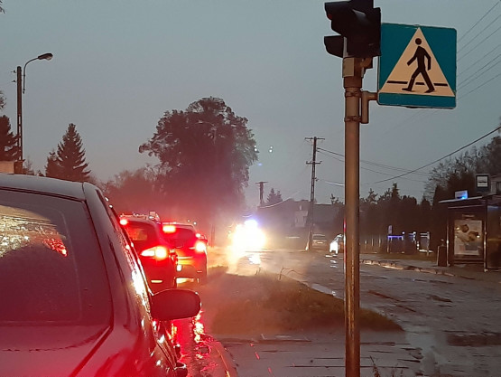 Kolizja na ul. Kielnieńskiej. Korki w obu kierunkach