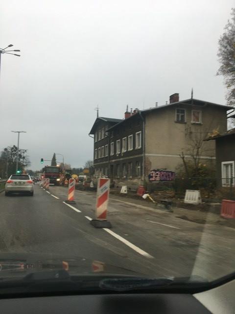 Zamknięty prawy pas na alei Grunwaldzkiej w Oliwie