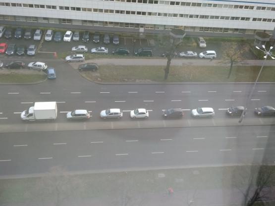 Dostawczak blokuje skręt do Olivia Business Center
