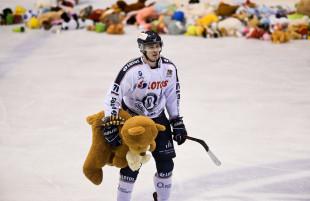 """Lotos PKH Gdańsk - Podhale Nowy Targ 1:3. Misie zasypały lodowisko w """"Olivii"""""""