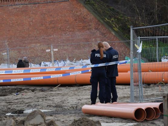 Granatniki, granat  i amunicja znalezione przy ul. Okopowej