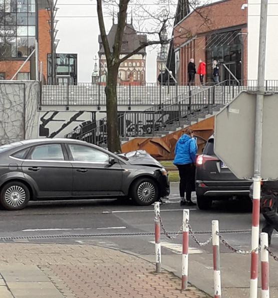Stłuczka przy Urzędzie Miejskim w Gdańsku