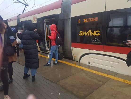 Korek po awarii tramwaju na przystanku Przemyska