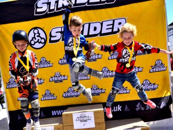 Baw się rodzinnie na Strider Racing