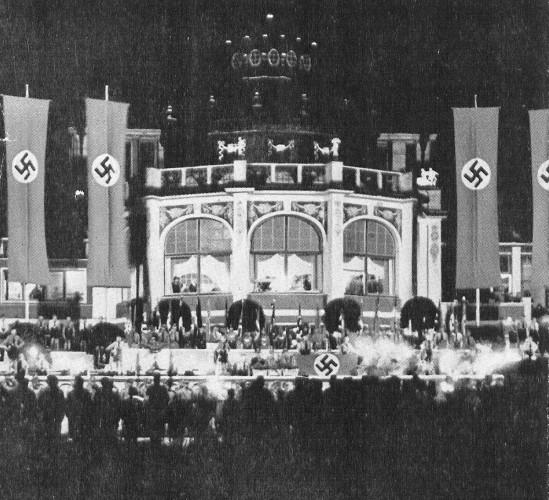 Ogród przez domem zdrojowym nocą (sierpień 1939 roku) Ilustracje pochodzą ze zbiorów Biblioteki Gdańskiej PAN