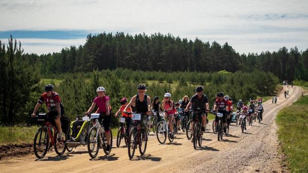Kociewie Kołem Kids to rodzinny, wielopokoleniowy rajd rowerowy, który towarzyszy maratonowi szosowemu spod znaku RowerOver.