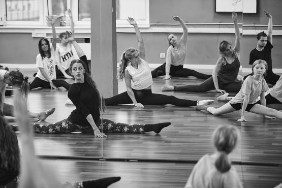 Stretching Extreme, czyli intensywne warsztaty rozciągające ciało | Akademia Artystyczna