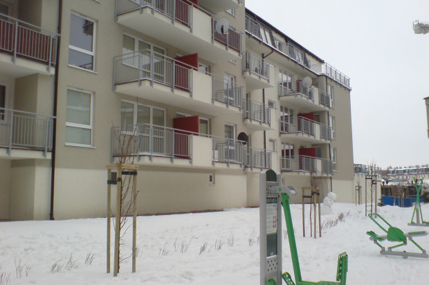 Budynki powstałe w 2012 roku zostały oddane do użytku razem z osiedlową siłownią na świeżym powietrzu.