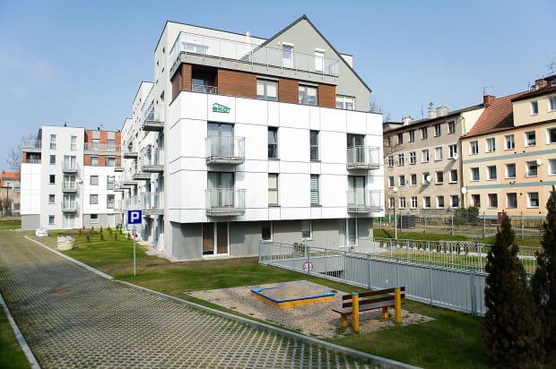 Budynek wkomponowany został w istniejącą zabudowę Dolnego Wrzeszcza.