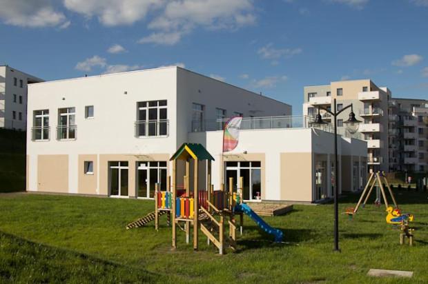 Budynek przedszkola ze żłobkiem, który został oddany do użytku w 2012 roku.