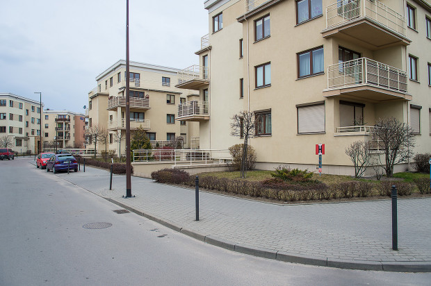 Osiedle podzielone zostało na czytelne kwartały wypełnione zabudową mieszkaniową.