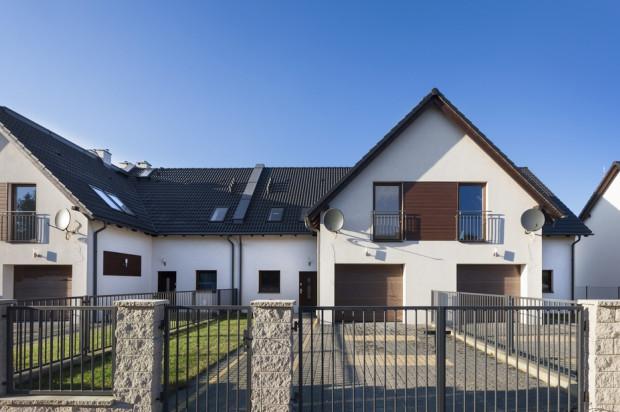 W ramach inwestycji powstało dwadzieścia domów w zabudowie szeregowej.