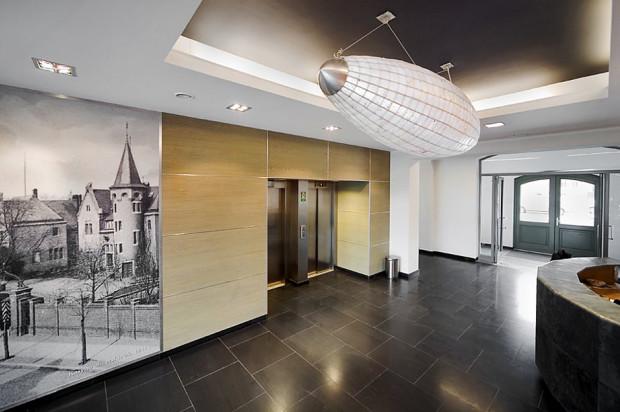 Hol wejściowy do budynku Grunwaldzka 184.