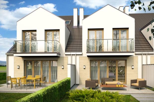 Duże przeszklenia zapewnią widok z domu na ogrodową i okoliczną zieleń.