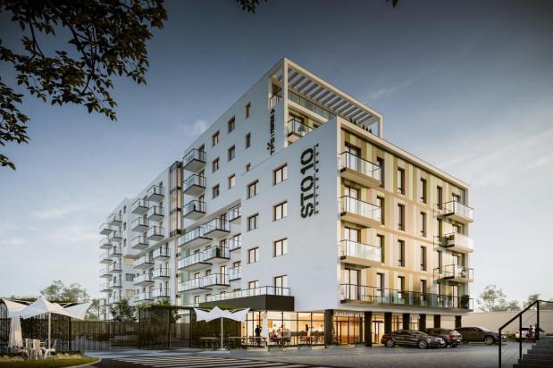 Budynek będzie miał zróżnicowaną wysokość. Na parterze powstaną lokale usługowe.