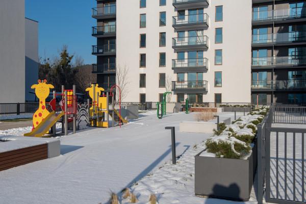 Pierwszy etap inwestycji oddany został z pełną infrastrukturą osiedlową.