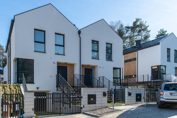 Domy na osiedlu Młoda Morena Park oddane w 2018 roku.