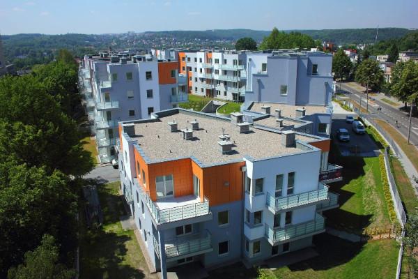 Budynki swoim wyglądem dostosowane zostały do zielonego otoczenia i tradycji architektonicznych Gdyni. mat. inwestora