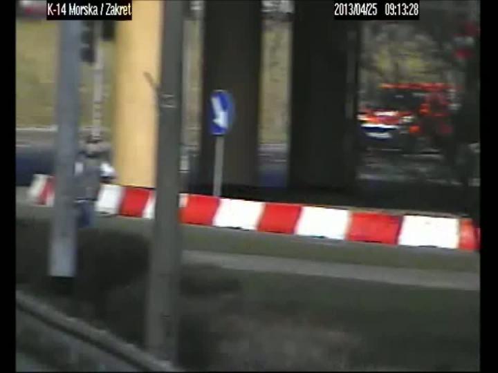 Film zarejestrowany przez kamery miejskiego monitoringu tuż po wypadku.