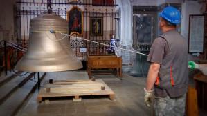 Wciąganie dzwonu na wieżę kościoła św. Katarzyny