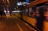 Wjazd pociągu na peron SKM Gdańsk Przymorze-Uniwersytet