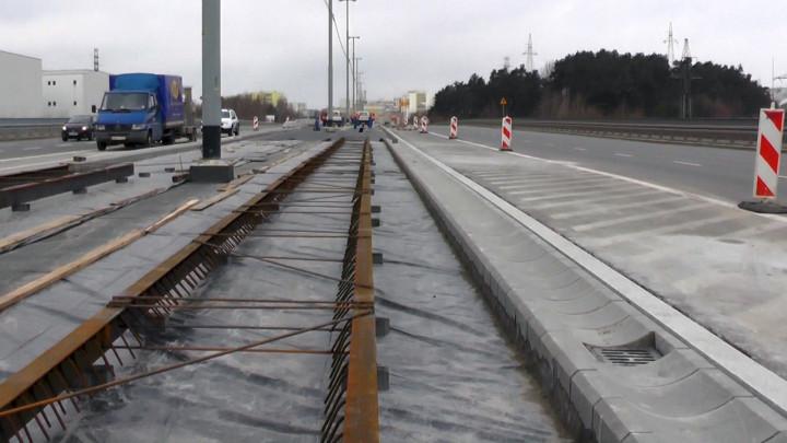 Zobacz prace przy budowie tramwaju na Morenę zpierwszego dnia wiosny.