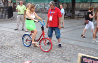 Pijany rower na Długim Targu w Gdańsku