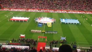 Ponad 37 tys. kibiców śpiewa hymn Polski przed meczem piłkarzy z Grecją