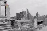 Gdańsk 1955 r. w ruinie i odbudowie